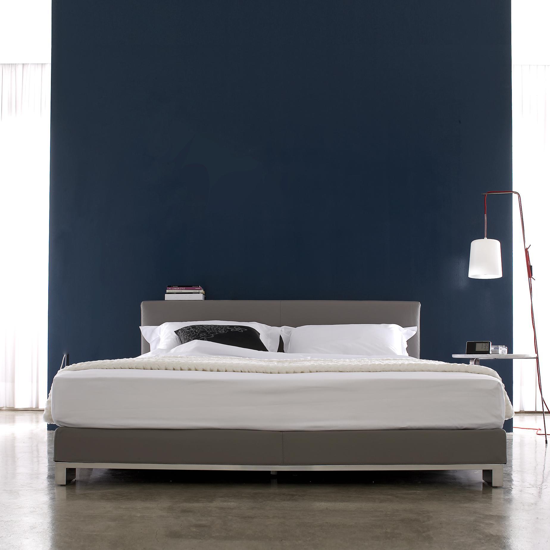 anna beds designer christian werner ligne roset. Black Bedroom Furniture Sets. Home Design Ideas