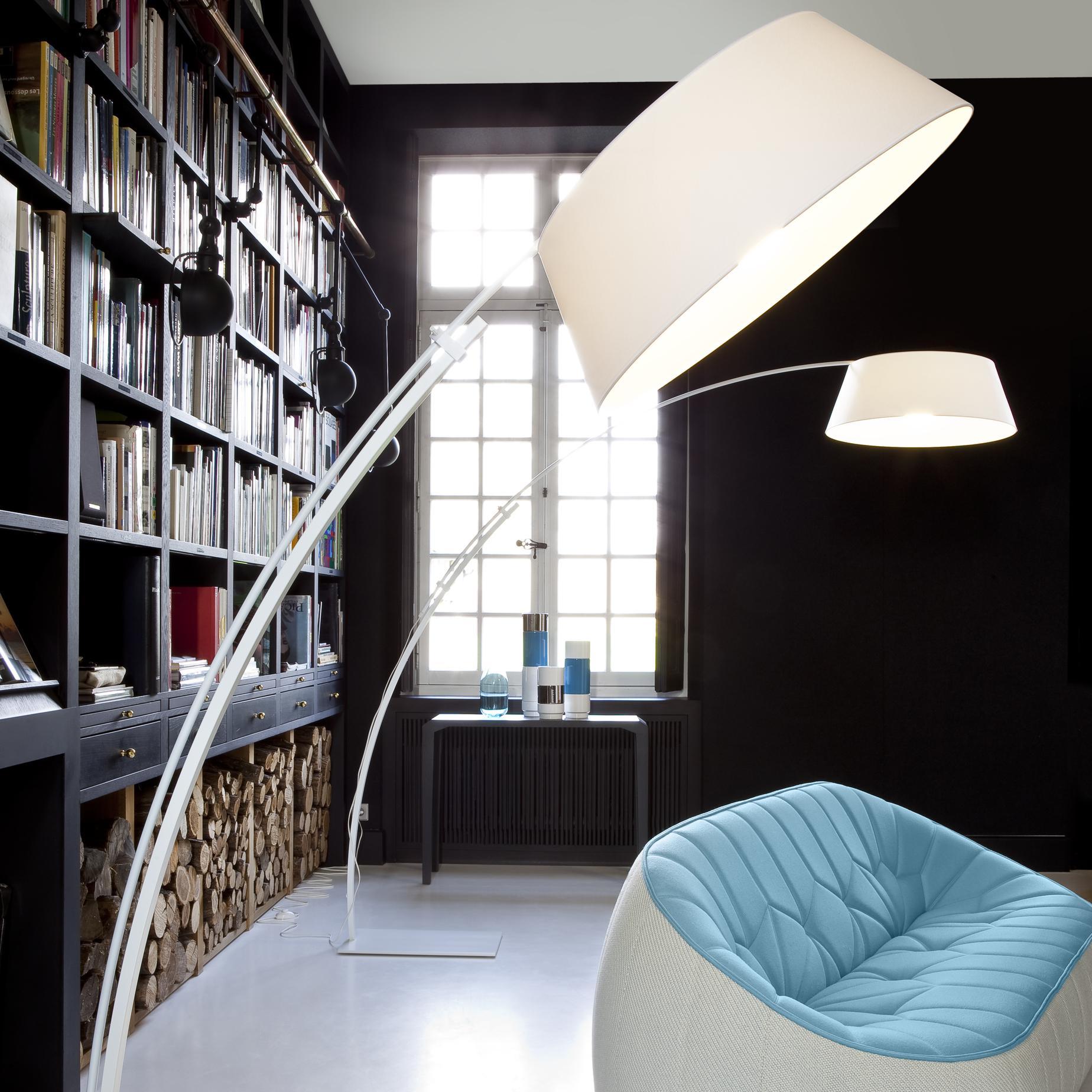 ouverture stehleuchten designer philippe daney ligne. Black Bedroom Furniture Sets. Home Design Ideas