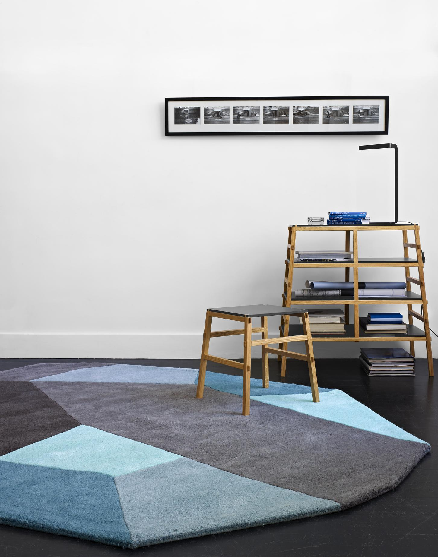 menhir tapis designer damaris marc ligne roset. Black Bedroom Furniture Sets. Home Design Ideas