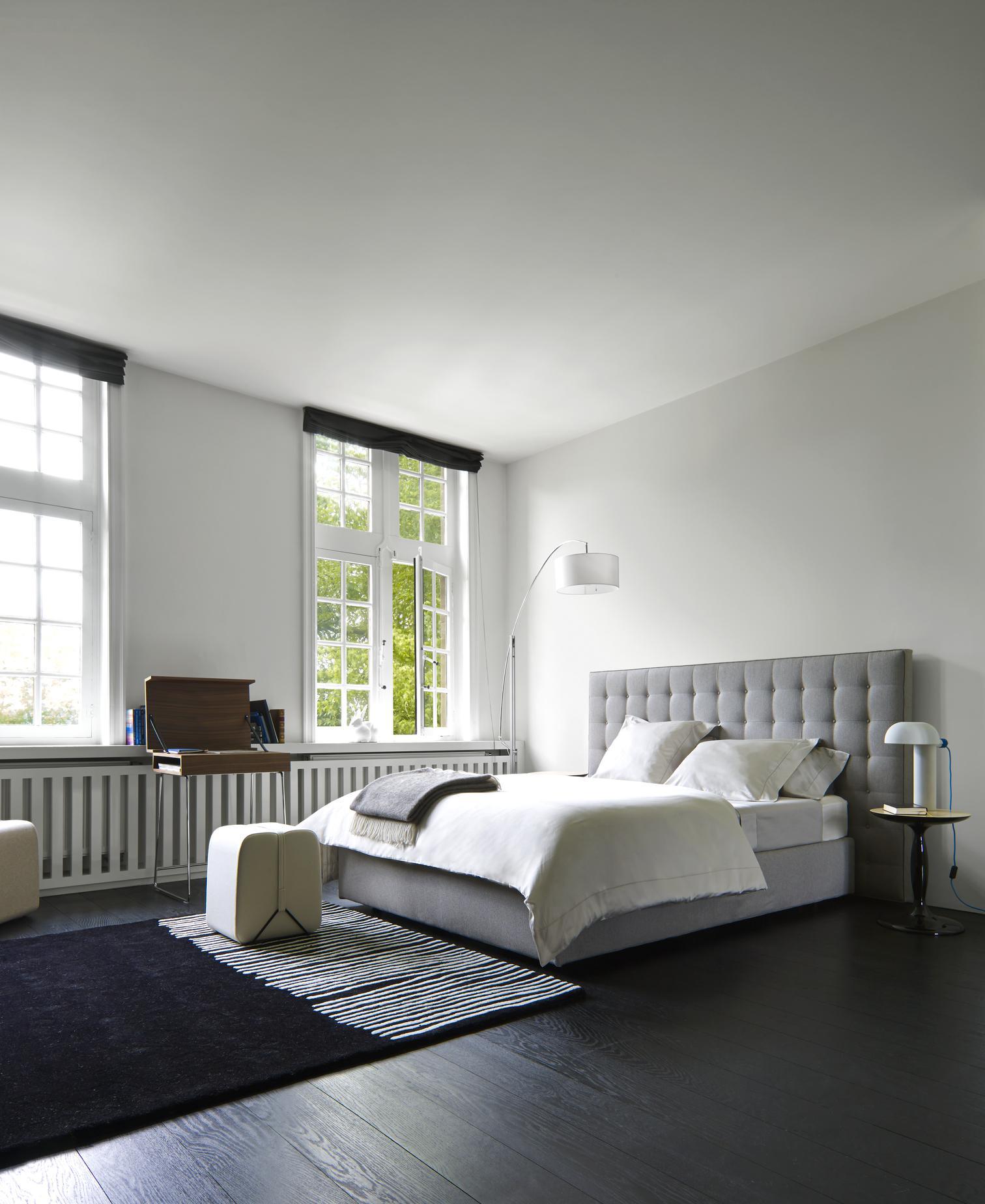nador beds designer ligne roset ligne roset. Black Bedroom Furniture Sets. Home Design Ideas