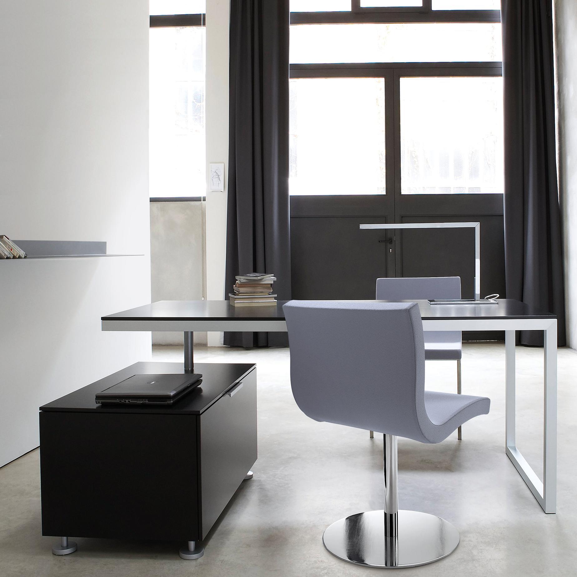 everywhere desks secretaires designer christian werner ligne roset. Black Bedroom Furniture Sets. Home Design Ideas