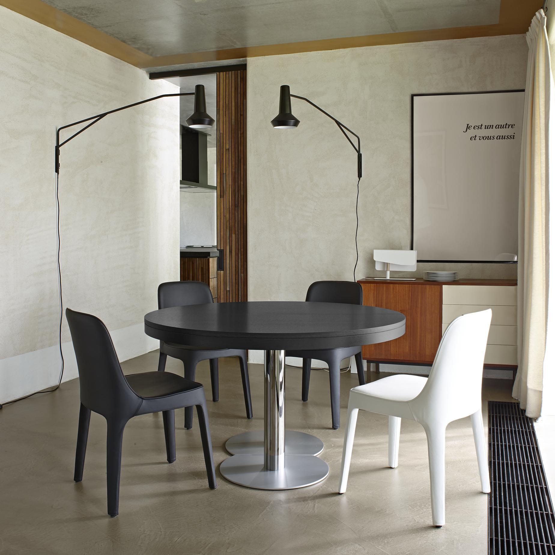 Craft tables designer delo lindo ligne roset - Table yoyo ligne roset ...