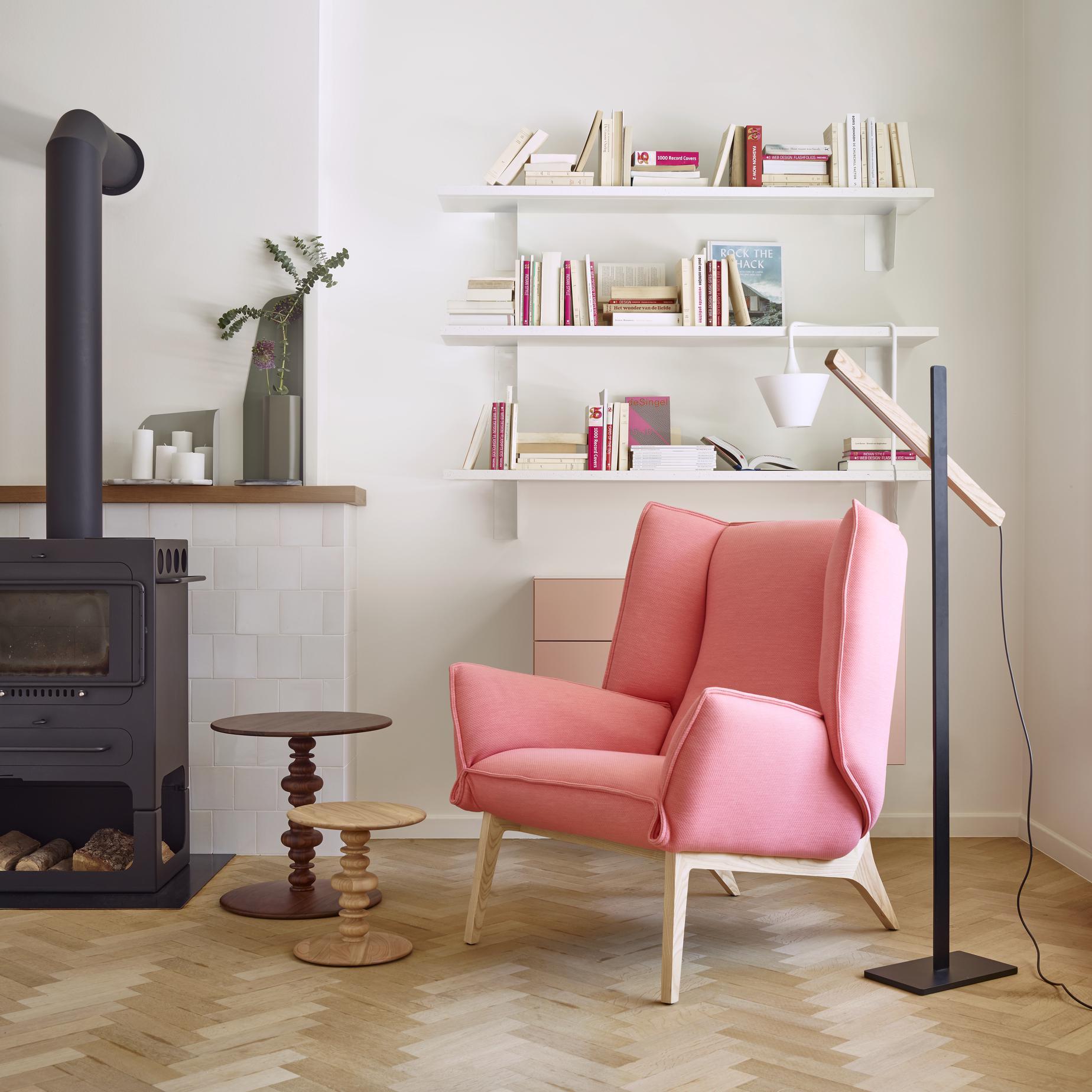 toa sessel designer r mi bouhaniche ligne roset. Black Bedroom Furniture Sets. Home Design Ideas