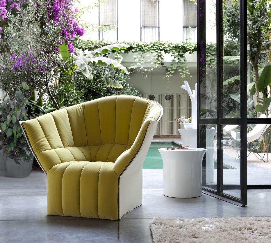 moel armchairs designer inga semp ligne roset. Black Bedroom Furniture Sets. Home Design Ideas