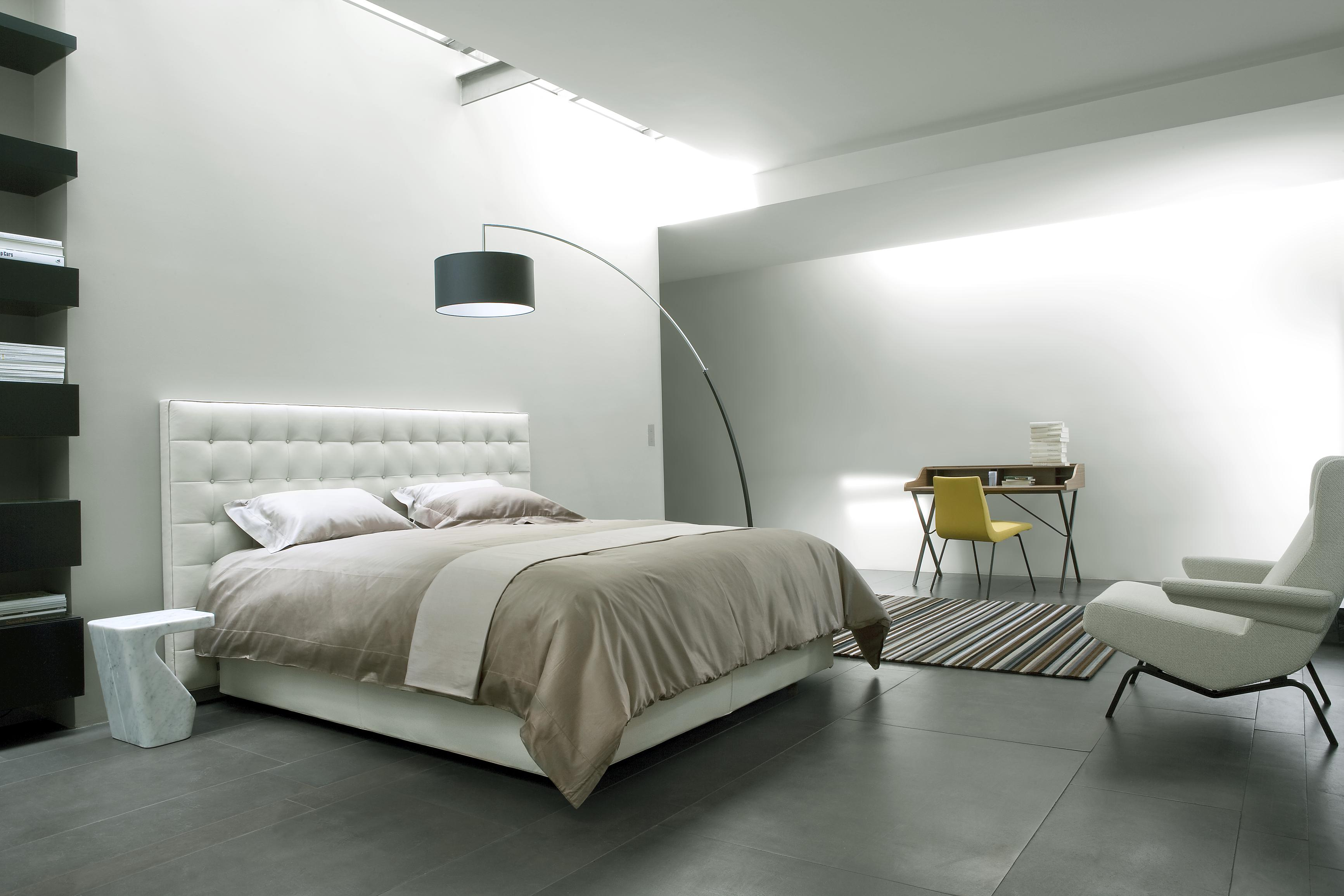 nador betten designer ligne roset ligne roset. Black Bedroom Furniture Sets. Home Design Ideas