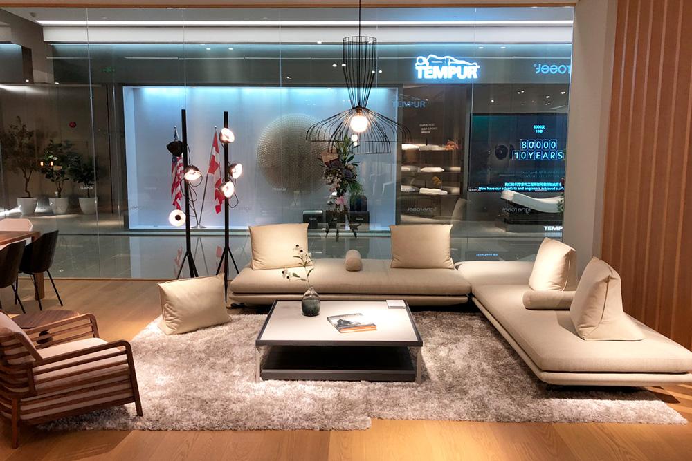 Mobilia Nürnberg ligne roset contemporary high end furniture